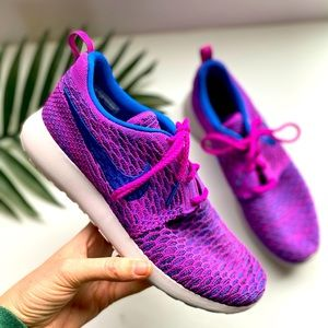 Nike Roshe One Fly Knit Trainers Purple Size 9